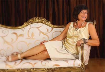Avis Rollison: Fashionable Fixture