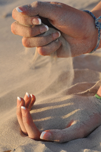 0610_summerfun_hands